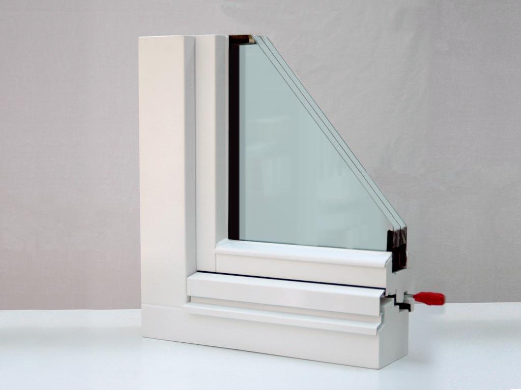 Fenster lais fensterbau for Alu holzfenster